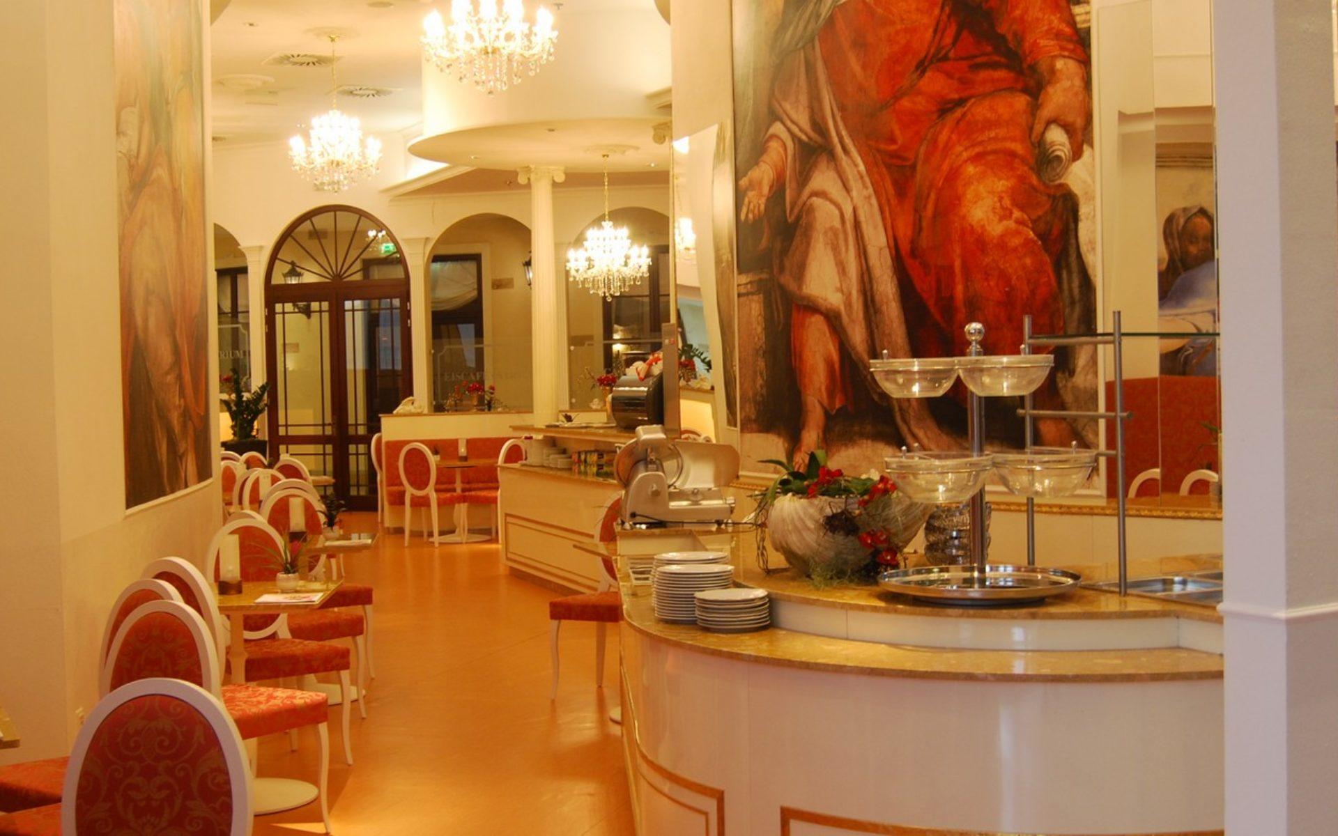 Arredamento esterno ristorante usato completo per bar for Angelo arredamenti