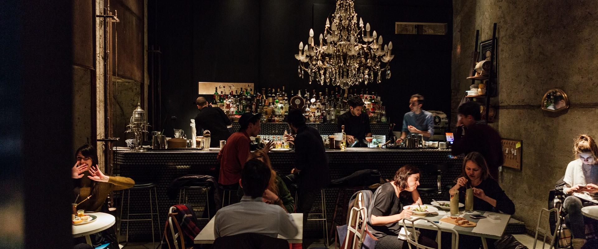 Bar ristorante cracco milano emmelle arredamenti for Lavoro arredamento milano