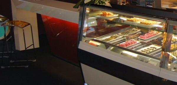 vetrina refrigerata pasticceria usato